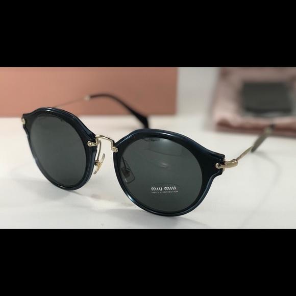 7246176727f8 Miu Miu Noir Evolution SMU51S 1AB-9K1 Sunglasses